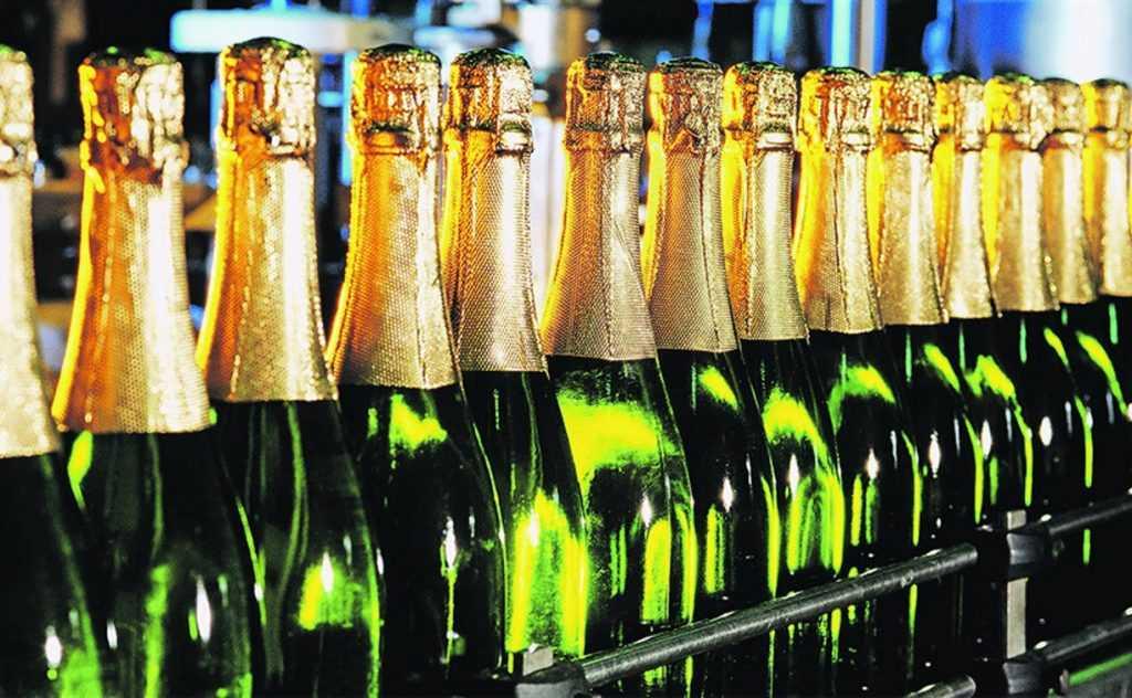 Франция больше не будет поставлять шампанское в Россию