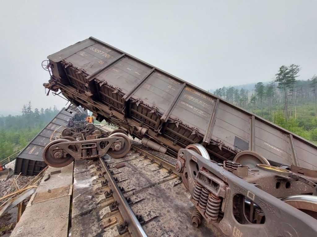 Число погибших при крушении поездов в Приамурье увеличивается