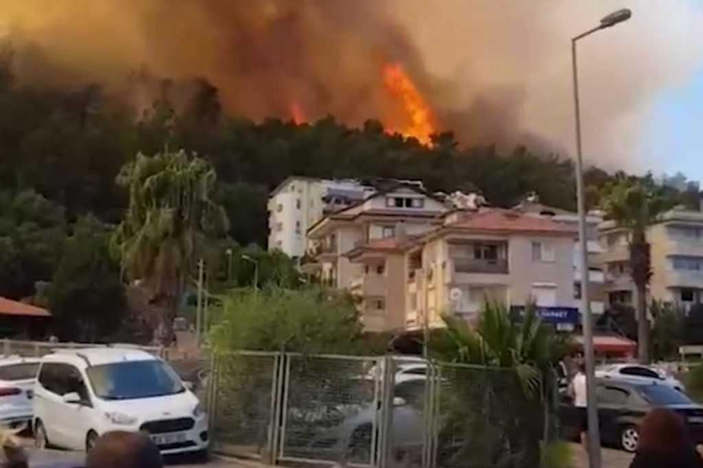 Россиян предостерегли от поездок в Турцию из-за пожаров