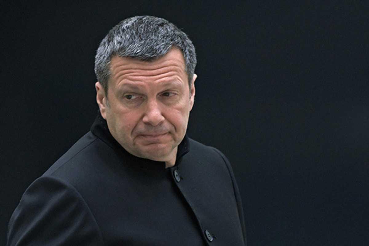 Соловьев прошелся по комику Квашонкину за шутки про Россию
