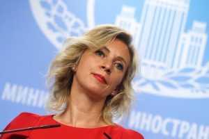 Захарова высмеяла угрозу Украины о «камнях с неба»