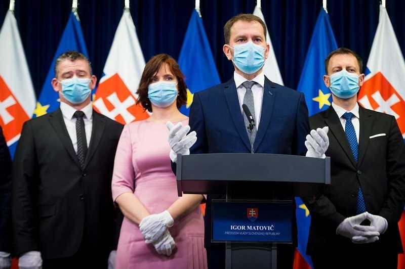 Словакия прекращает вакцинацию граждан «Спутником V»