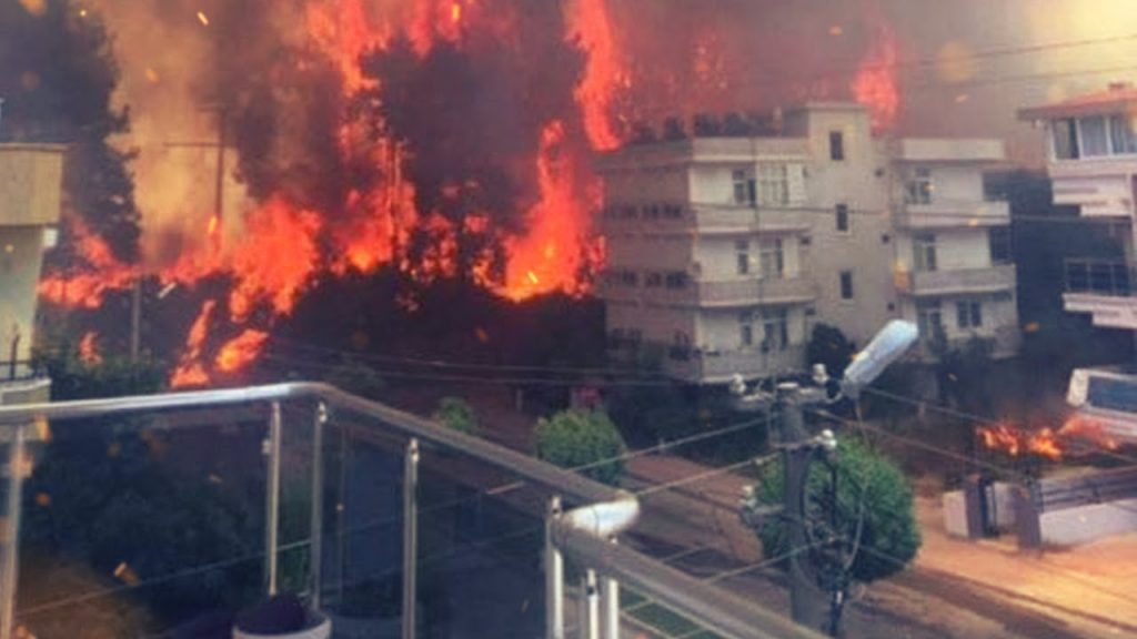 Россияне не пострадали от пожара и землетрясения в Турции