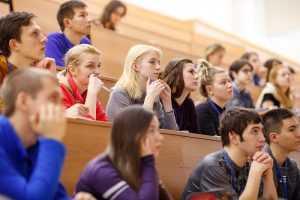 Минобрнауки: непривитых студентов нельзя ограничивать в правах
