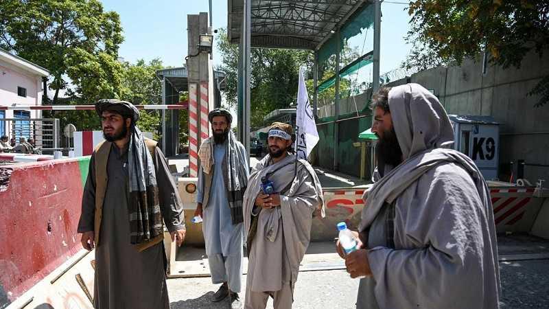 Периметр посольства РФ в Афганистане взят под контроль «Талибаном»