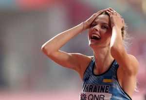 Украинскую спортсменку осудили за фото с российской легкоатлеткой на Олимпиаде в Токио
