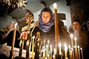 Священника, попросившего патриарха раскрыть доходы, отстранили от служения