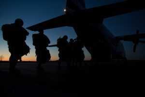 Массовое ночное десантирование провели на учениях «Запад-2021»
