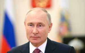 Путин подписал документ, продлевающий контрсанкции еще на год