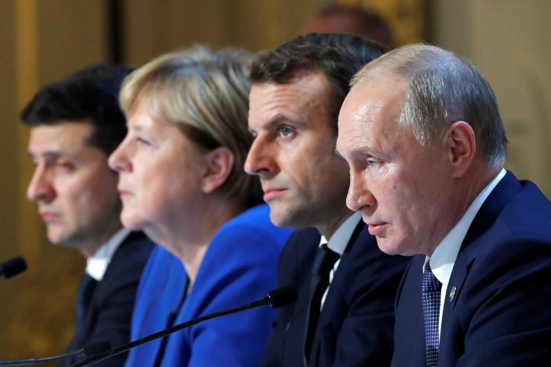 Украина отказывается возвращаться к переговорам в Минске