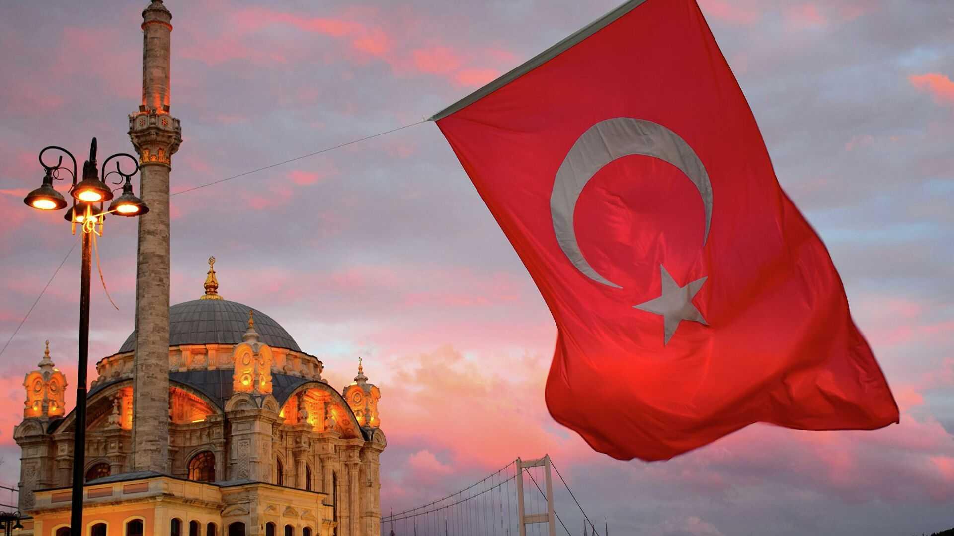 Вакцинированным россиянам уточнили правила въезда в Турцию