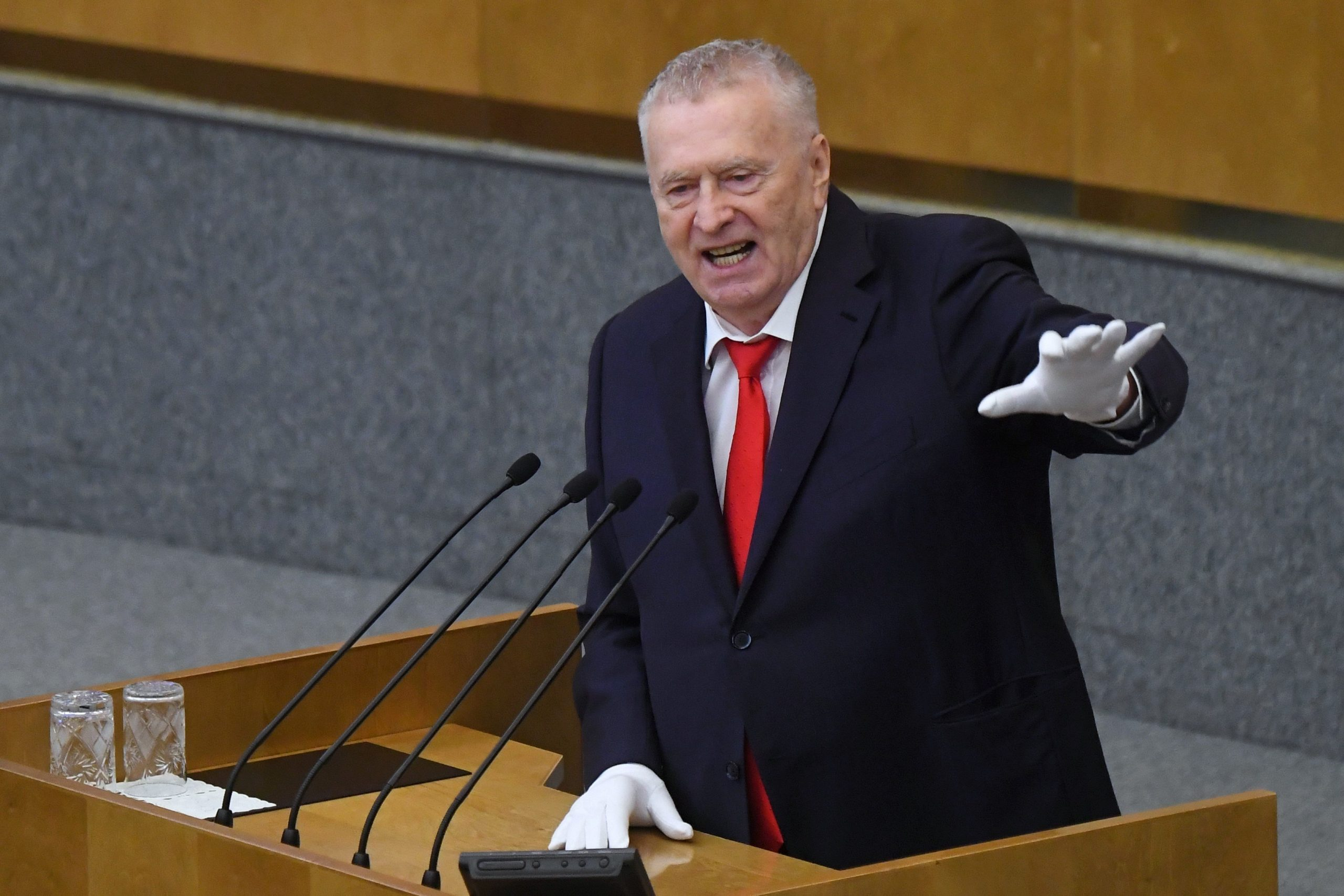 Жириновский предложил отказаться от оценок, ЕГЭ и ОГЭ в школах