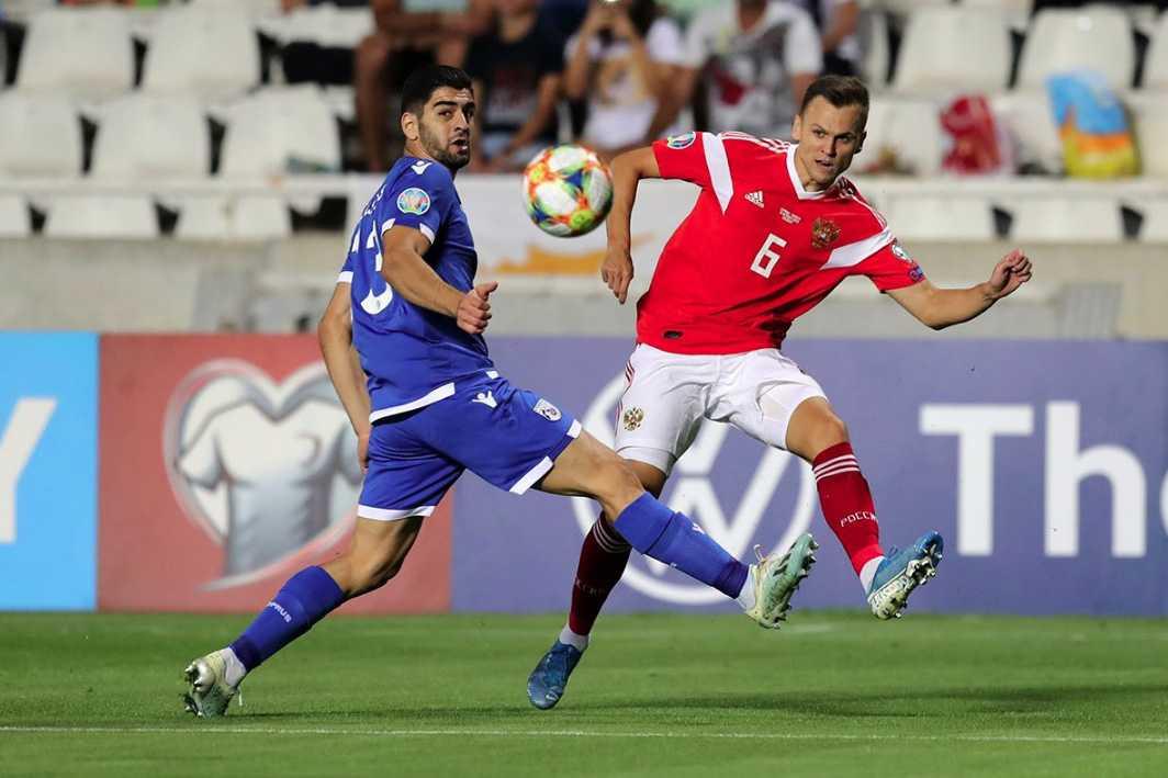 Лучший нападающий России по футболу по мнению Карпина