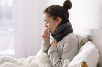 Врачи рассказали, что сухой кашель может быть признаком COVID-19
