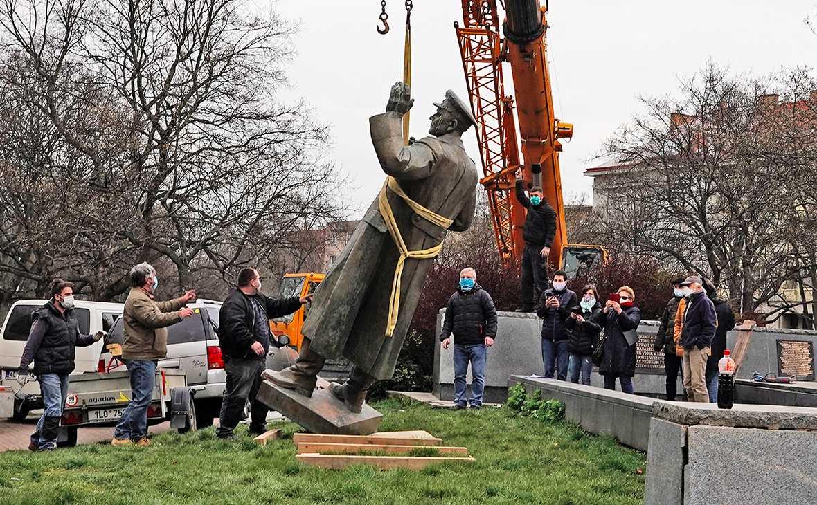 Тот, кто инициировал снос памятника маршалу Коневу в Праге, может стать главой МИД Чехии