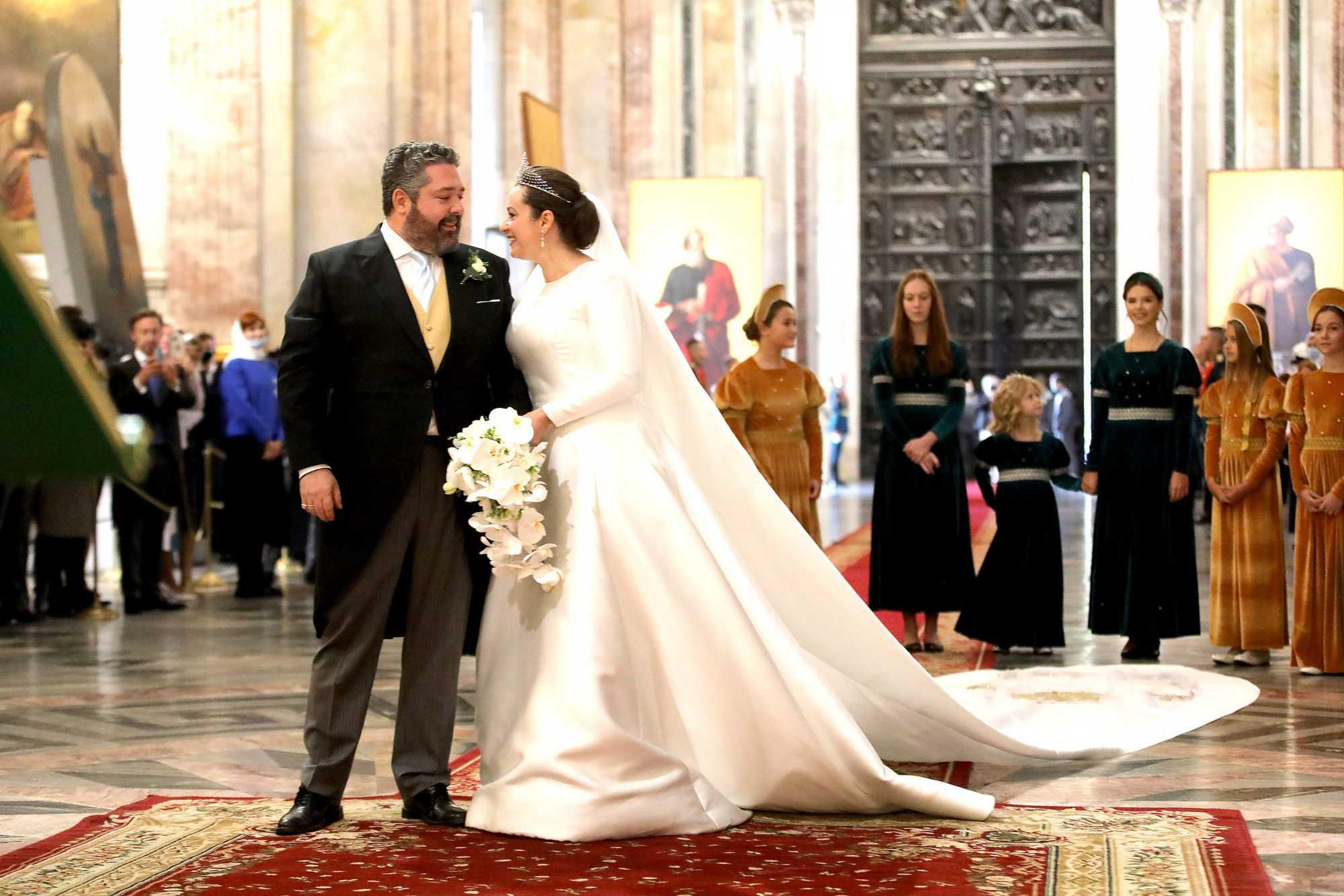Шойгу приказал наказать «почетный караул» на церемонии венчания Романовых в Петербурге