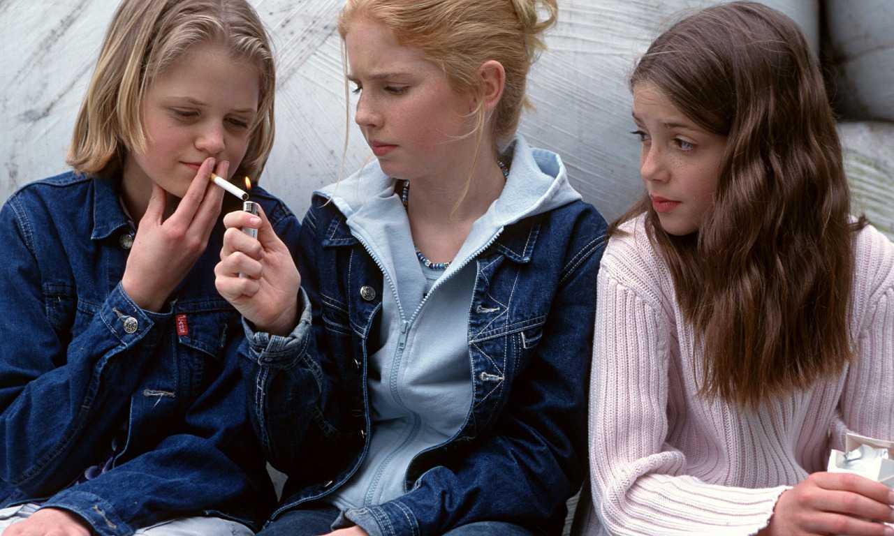 Российских школьников могут начать проверять на курение
