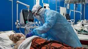 Иммунолог предположил, когда в России будет пик смертности от коронавируса