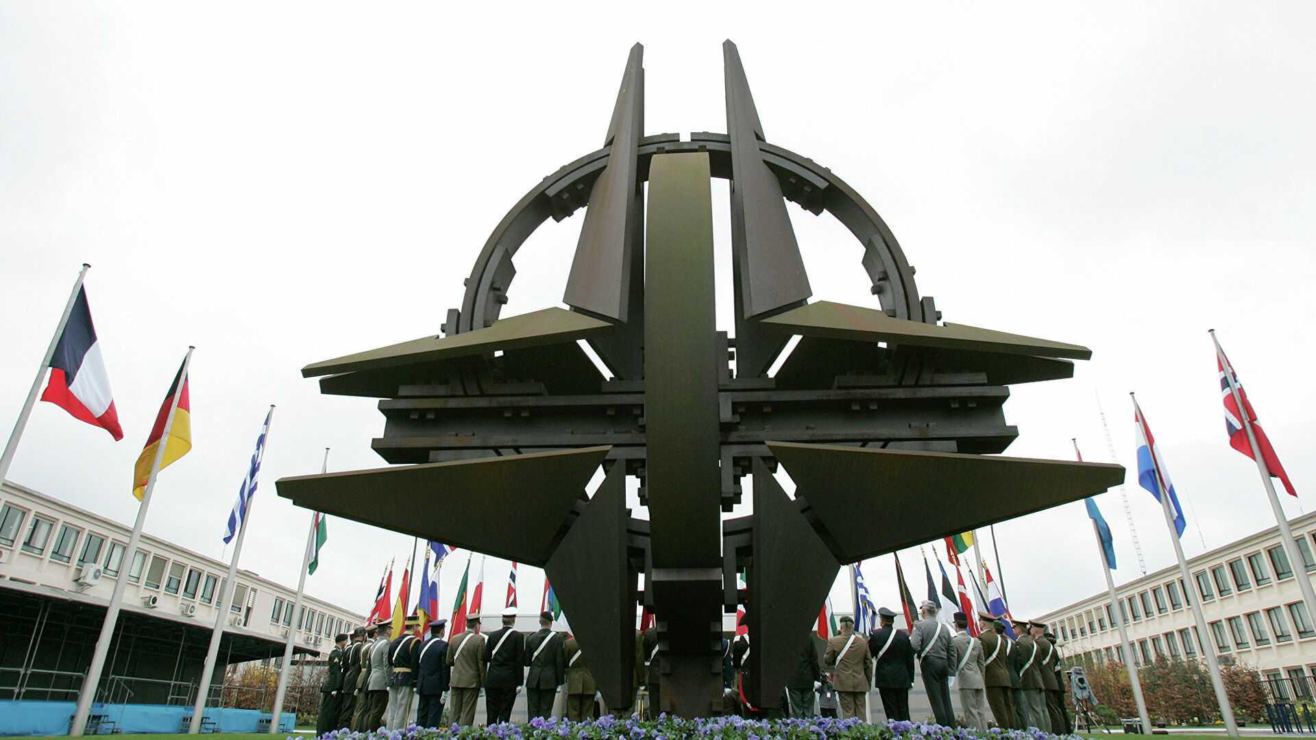 Эксперт предположил, почему российских дипломатов выслали из Брюсселя